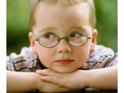 Лечится или нет астигматизм у детей, Комаровский о проблеме