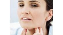Что делать если пропал голос и болит горло, как лечить, первая помощь