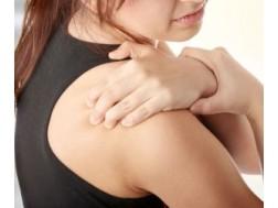 Что делать если болит плечо при поднятии руки вверх, лечение недуга