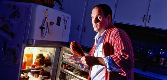 ночью к холодильнику