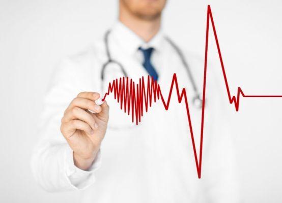 доктор рисует сердце