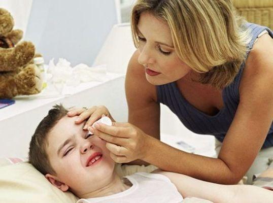 первая помощь при заболевании глаз
