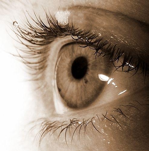 черные точки в глазах