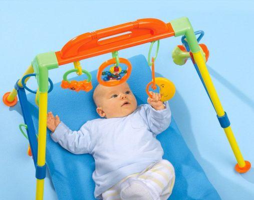 стимуляция работы глаз у новорожденного