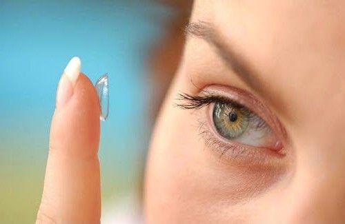 контактные линзы причина покраснения век