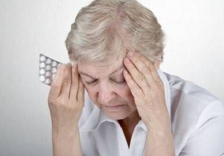 болит голова при менингиоме мозга