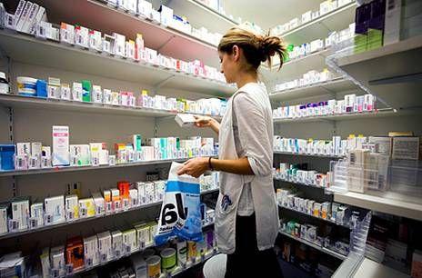 в аптеку за лекарствами
