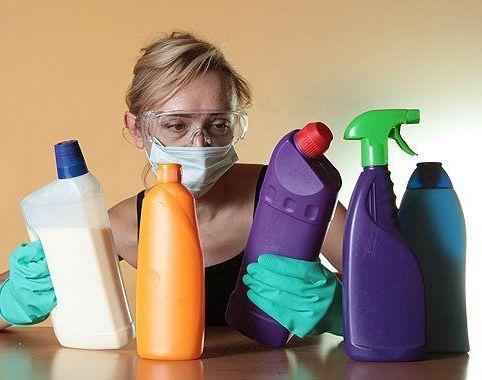 осторожность с бытовой химией