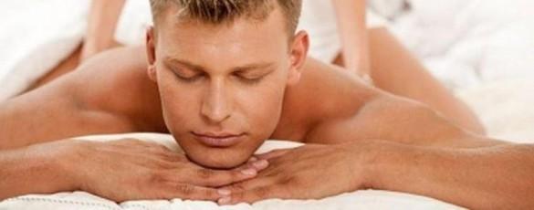 жена делает массаж простаты