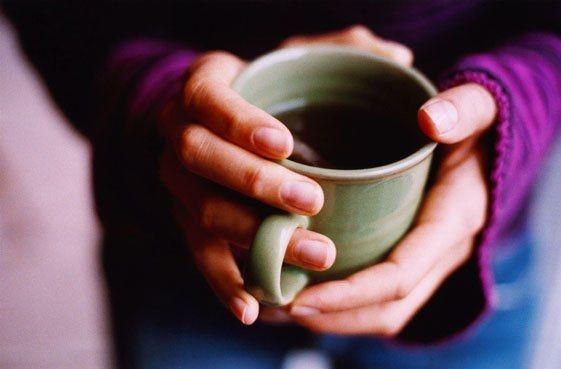 выпить теплого чая