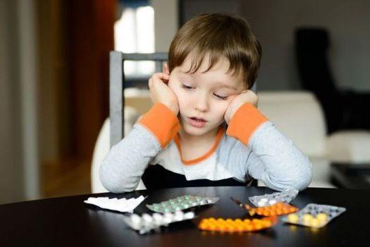 какие таблетки выбрать для лечения аденоидов