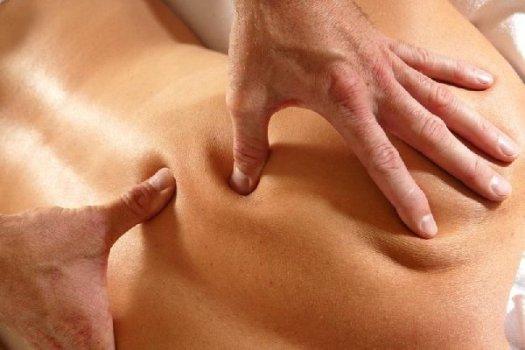 точечный массаж на спине