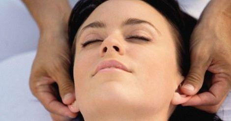 массаж мочек уха