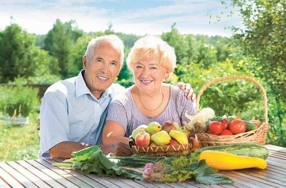 на природе с овощами