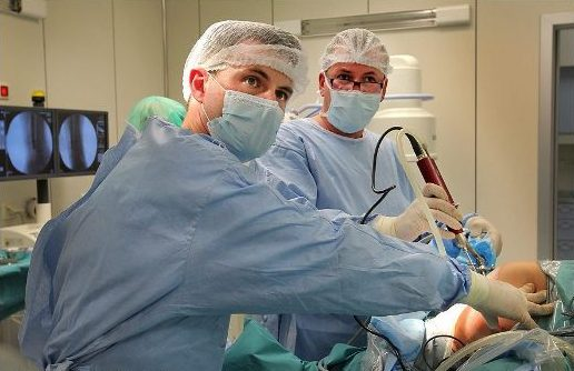 операция при артрозе
