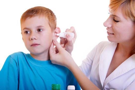 обследование уха у ребенка