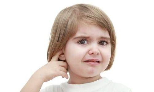 ушные боли у детей