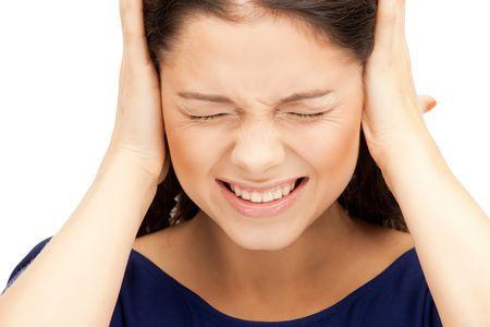 болят уши при отите