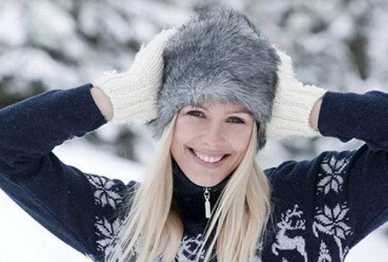 зимой в шапке