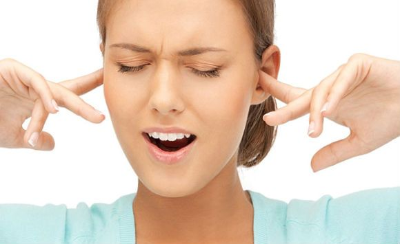 неприятные ощущения при заложенности в ухе