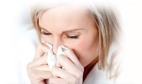 причина заложенности в ушах при простуде