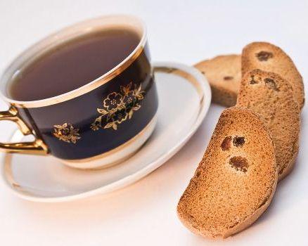 сухари с чаем